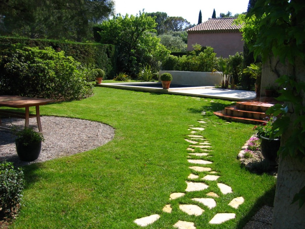 Le jardinage est maintenant beaucoup plus facile for Amenagement jardin facile